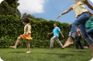 kids-grass